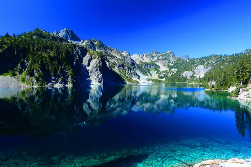 Tom Bentzen - Snow lake